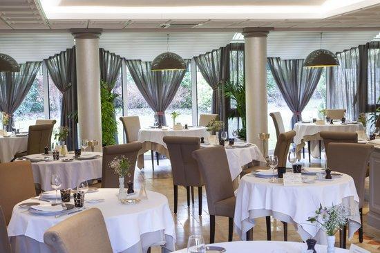 L'Hostellerie des Clos: salle de restaurant