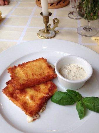 Gospoda CK Dezerter: Deep fried cheese