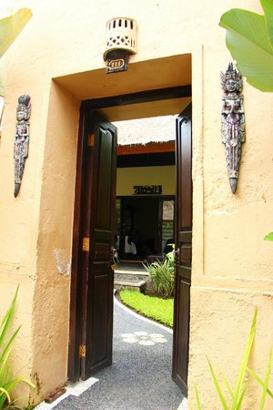 Furama Villas & Spa Ubud : Door