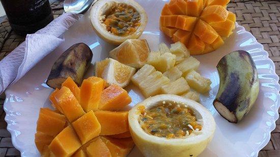 SWAHILI cafe: Piatto di frutta