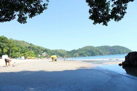 Almada Beach: Praia tranquila