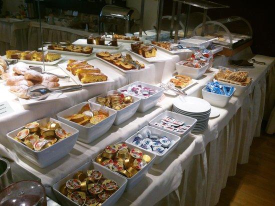 Park Hotel Serena : Frühstücksbuffet im Hotel