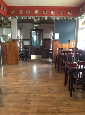 The Bull Inn East Farleigh: BAR AREA