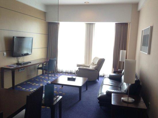 Novotel Bandung: living room