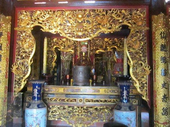 Prenn Falls: The temple