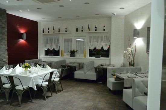 Piazzetta Portaportese: la sala