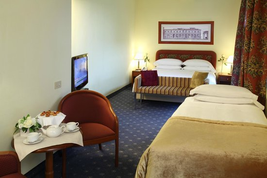 Starhotels Business Palace : Guestroom