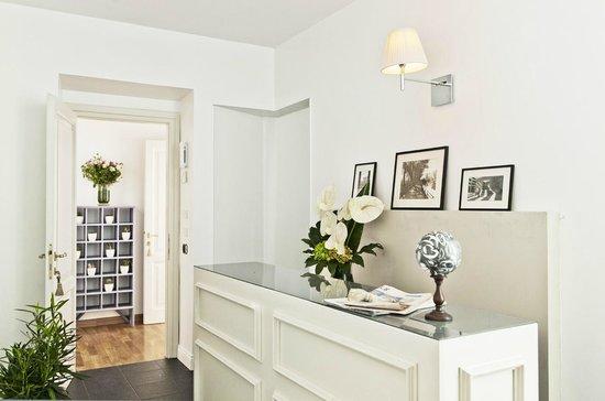 Garibaldi Suites: Reception