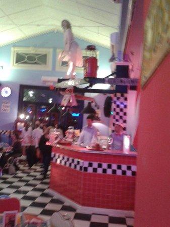 1950 American Diner: Halloooooo