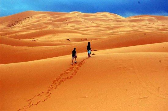Morocco Culture Tours: Sandboarding in Merzouga