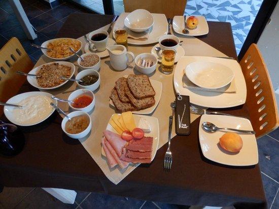 Villa Violet : Frühstück - alles frisch, selbst hergestellt...