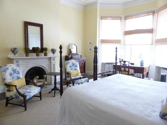 The College Club of Boston : Smith Room
