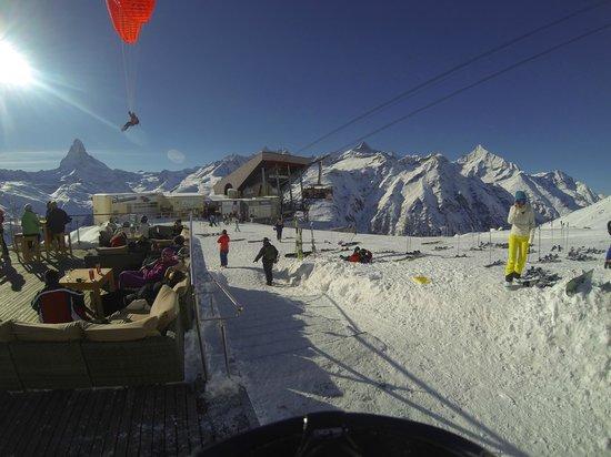 Zermatt-Matterhorn Ski Paradise: Plenty to do, Ski, board, eat, drink, para glide, sunbath