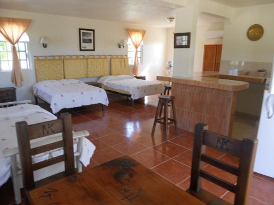 Num Ka'an Ranch: stay for a night or two, or a week with air-conditioned units by the pool