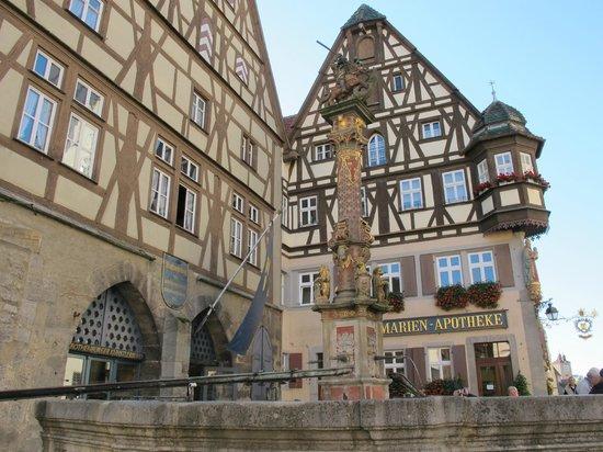 Altstadt: Fountain in front of the Apotheke
