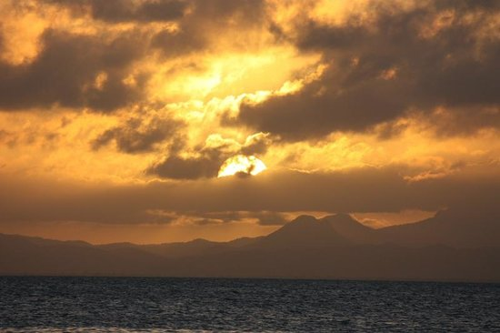 Coco Plum Island Resort: Sunset