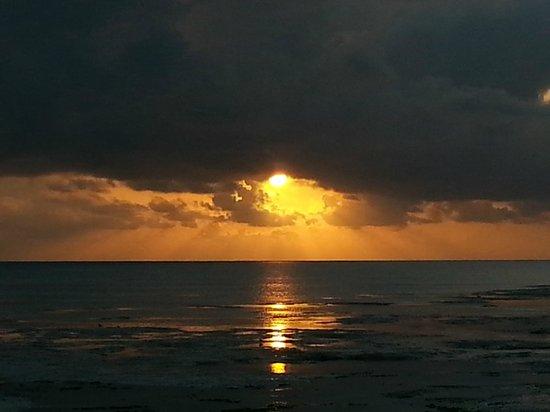 Hakuna Majiwe Beach Lodge: alba