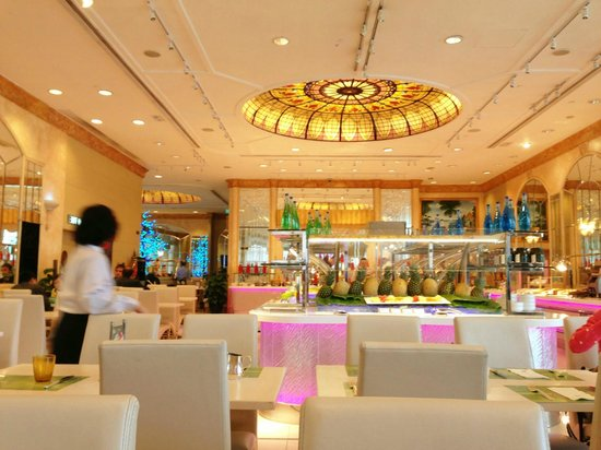 Regal Hongkong Hotel : Cafe Rivoli- the breakfast place
