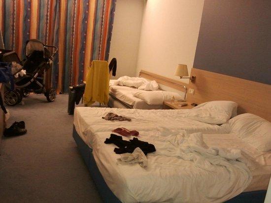 Remisens Hotel Lucija: camera con divano-letto
