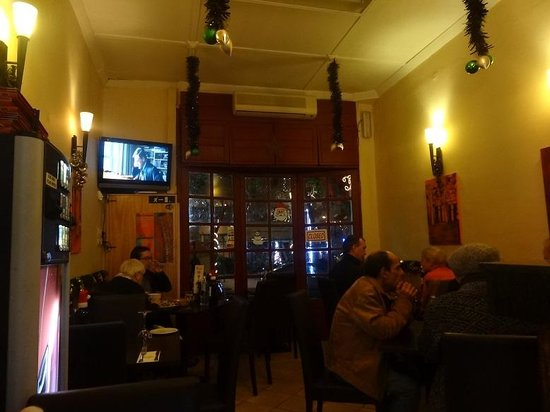 SCRUPLES: Restaurant Interior