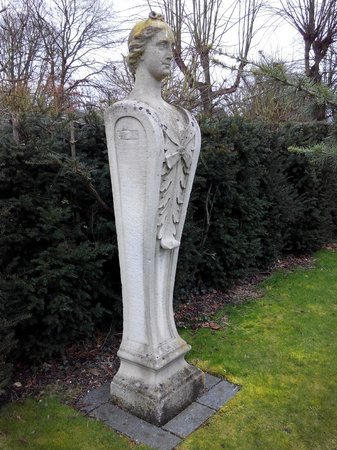Chiswick House: Don't Blink ...