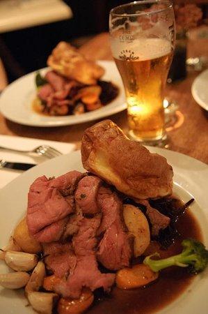 Bacchus Pub Kitchen Hoxton Beef Sunday Roast