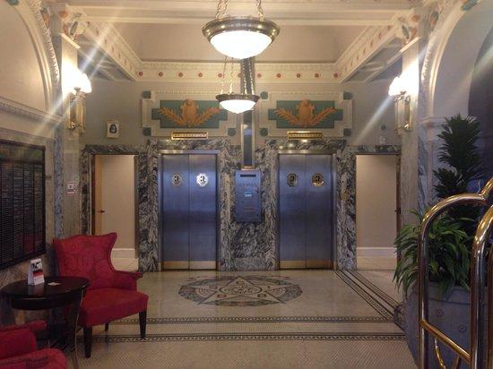 Hotel Gibbs Downtown San Antonio Riverwalk: Nice hotel lobby