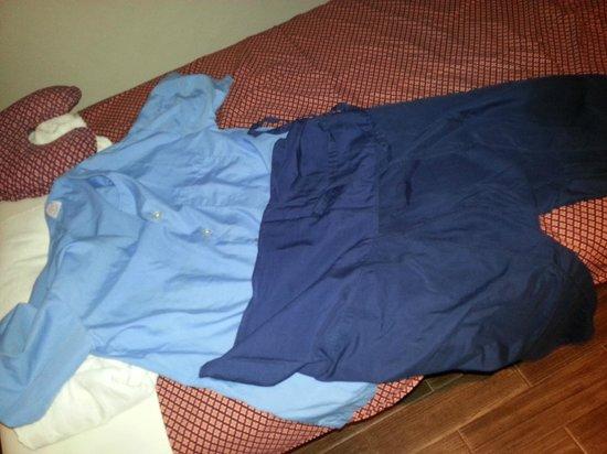 Orientala Spa : このような服に着替えさせられます