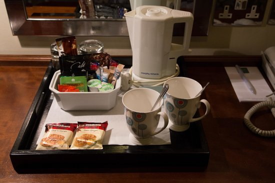 North Lakes Hotel & Spa: In room tea and coffee