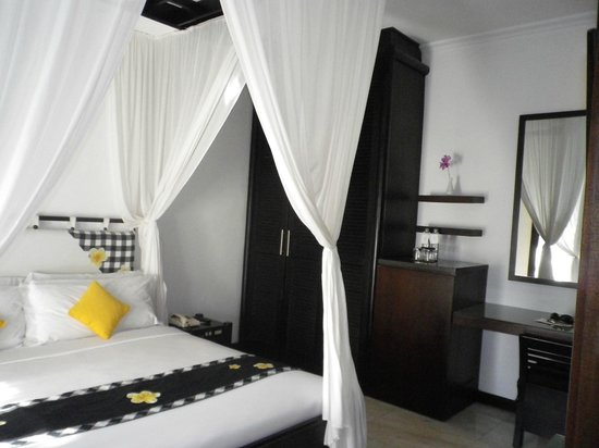 Candi Beach Resort & Spa: chambre