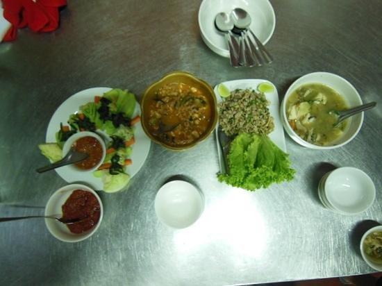 Tamnak Lao Cooking School: the 4 dishes