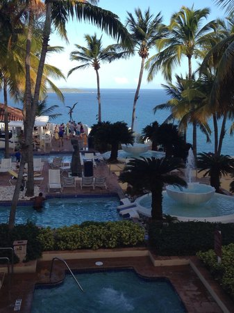 El Conquistador Resort, A Waldorf Astoria Resort : Pool area