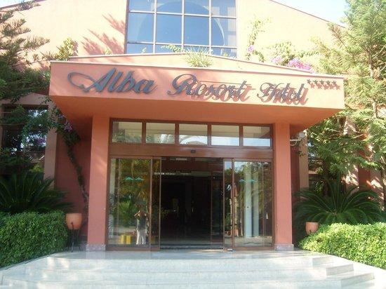 Alba Resort Hotel: Entrance