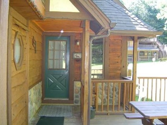 Stone Mountain Chalet Lodging : Private Covered Porch  Entrance  / Alpine Chalet