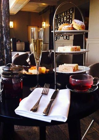Stoke Place: A lovely afternoon tea...