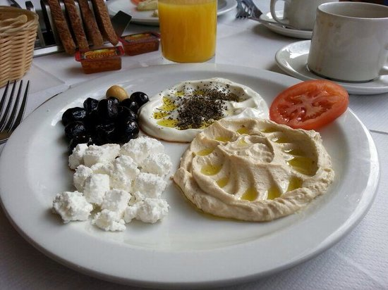 ‪‪Richmond Hotel‬: The Lebanese breakfast at the Al-Shami.‬