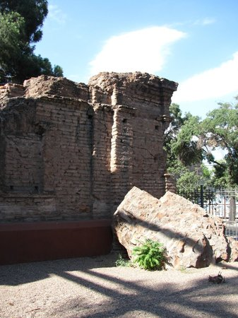Museo Fundacional: Ruinas Iglesia San Francisco.