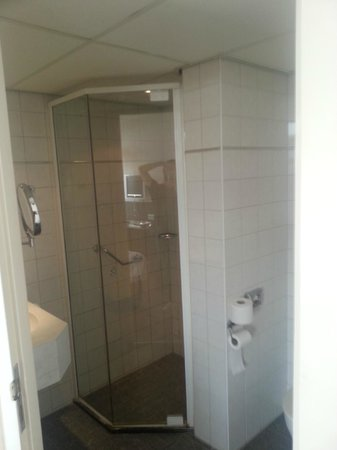 Amsterdam Tropen Hotel: camera standard 03