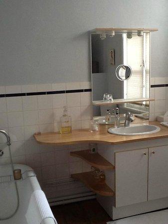 Le 5 Galerie des Princes : Salle de bain