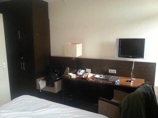 Amsterdam Tropen Hotel: camera standard 01