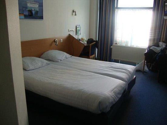 Maritime Hotel Rotterdam : Habitación