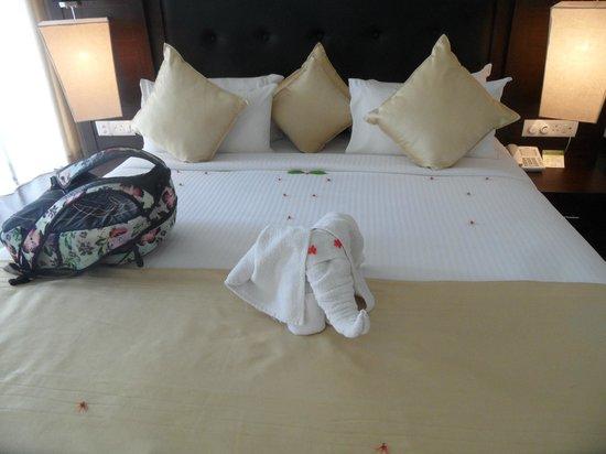 The Grand Udawalawe Safari Resort: bed