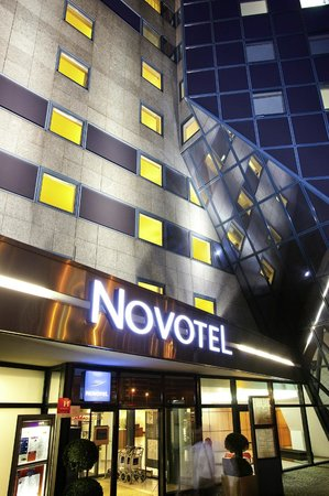 Novotel Marne La Vallee Noisy : La façade de l'hôtel