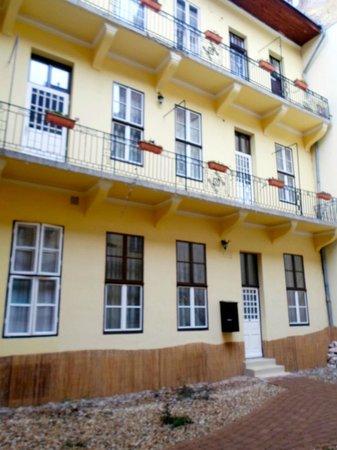 Central Hotel 21: Taget i gården