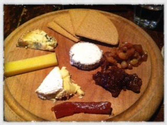 The Wheatsheaf Inn: Cheese board
