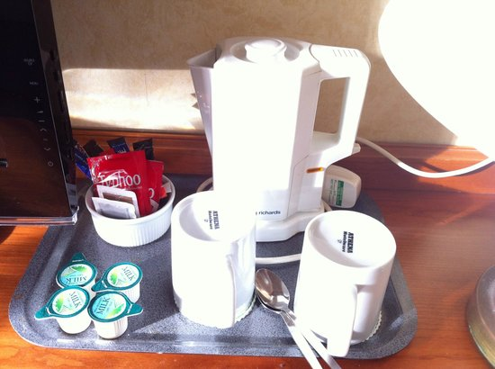 Holiday Inn Ipswich-Orwell: Tea and coffee facilities