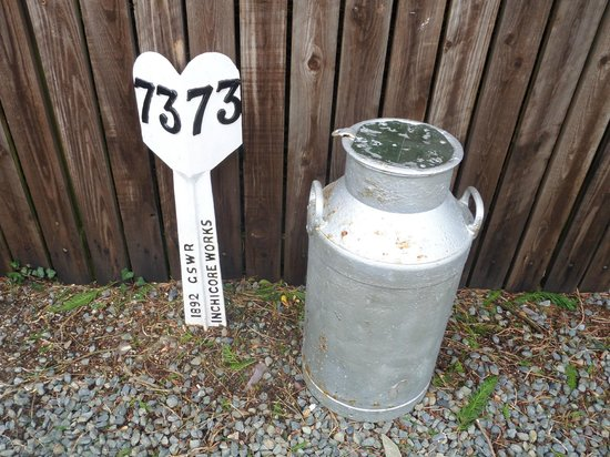 Waterford & Suir Valley Railway: Old Milepost and churn.