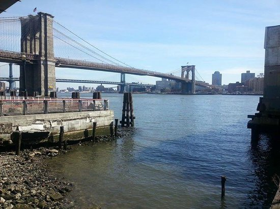 New York Harbor: South Street Seaport & Brooklyn Bridge