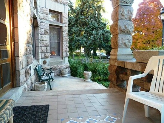 Castle Marne Bed & Breakfast Inn : Front porch on a gorgeous fall day in November