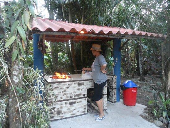 Cabanas Seguras : cocina la aire libre